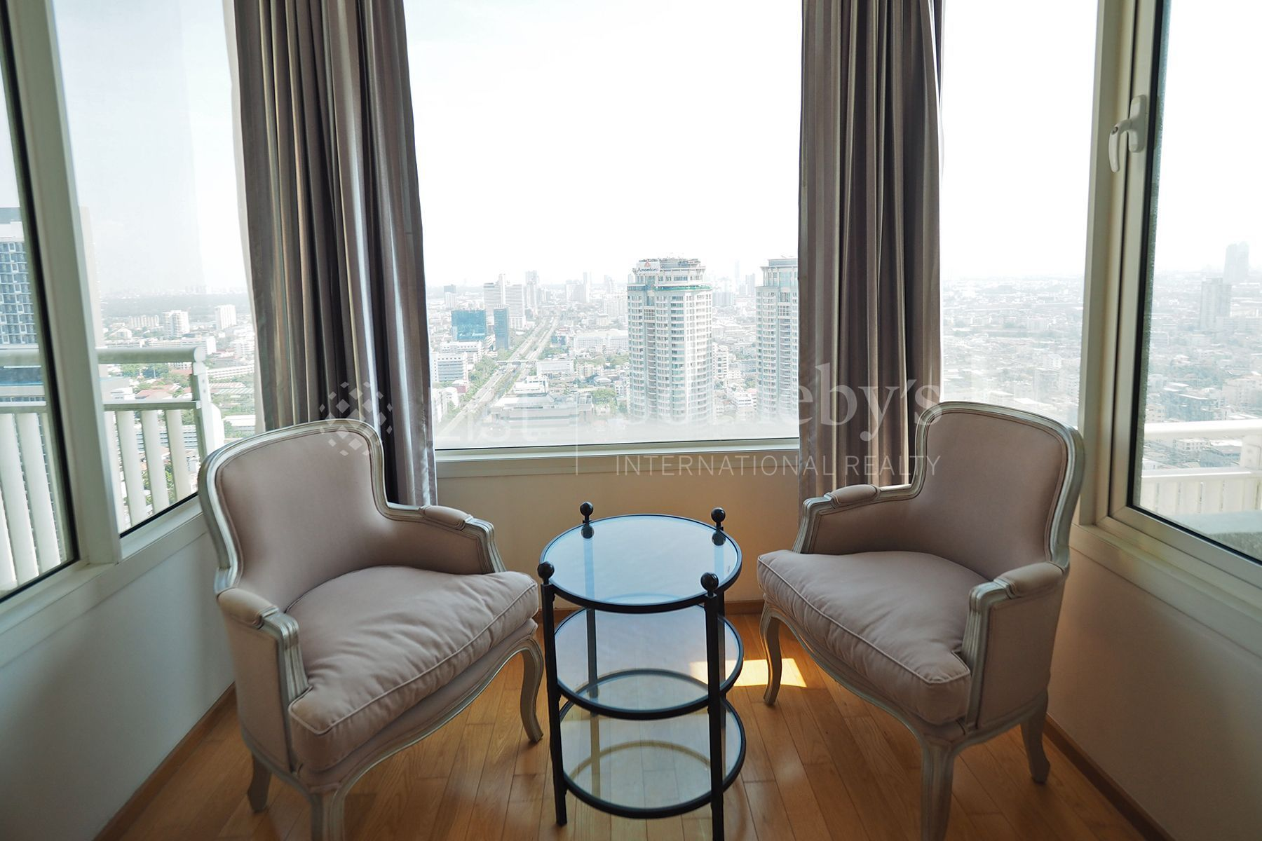 the-empire-place-sathorn 13