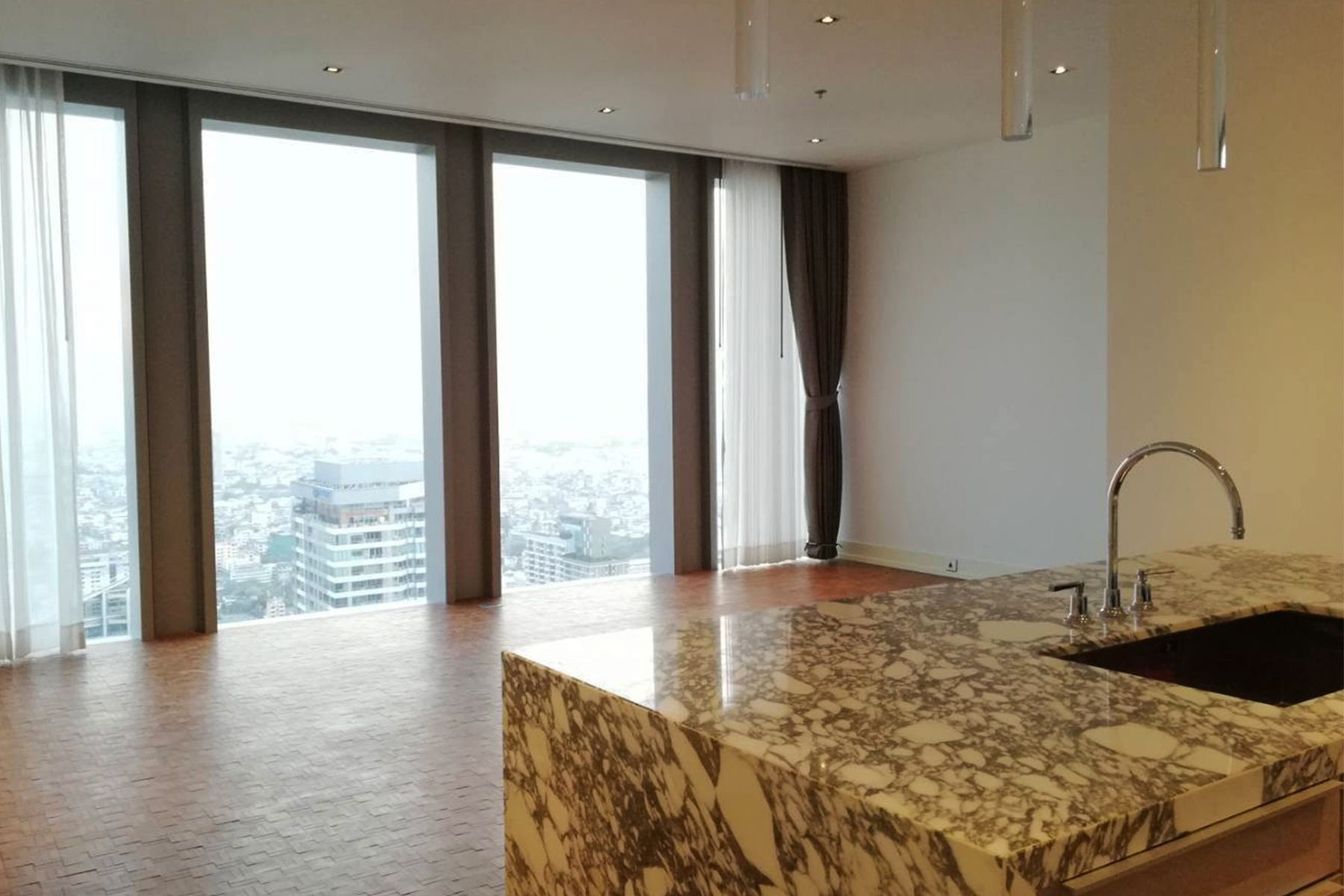 the-ritz-carlton-residences-bangkok 1